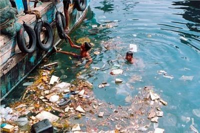 b2ap3_large_Water_pollution_sea-e1431282386452.jpg